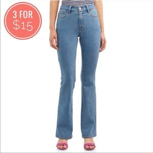 No Boundaries Size 7 Boot Cut Mide Rise Stretchy Jean Bottoms Pants
